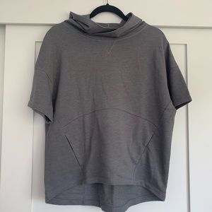 Fabletics shirt sleeve sweatshirt